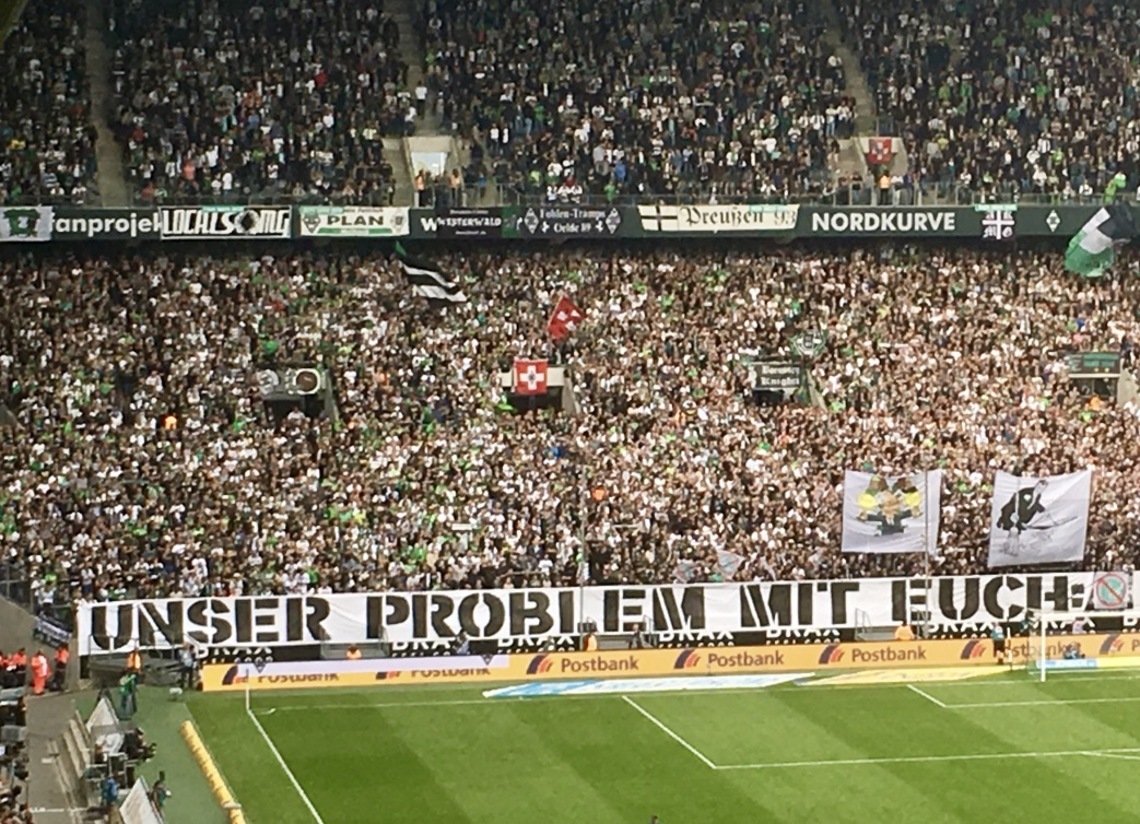 protesta tifosi tedeschi