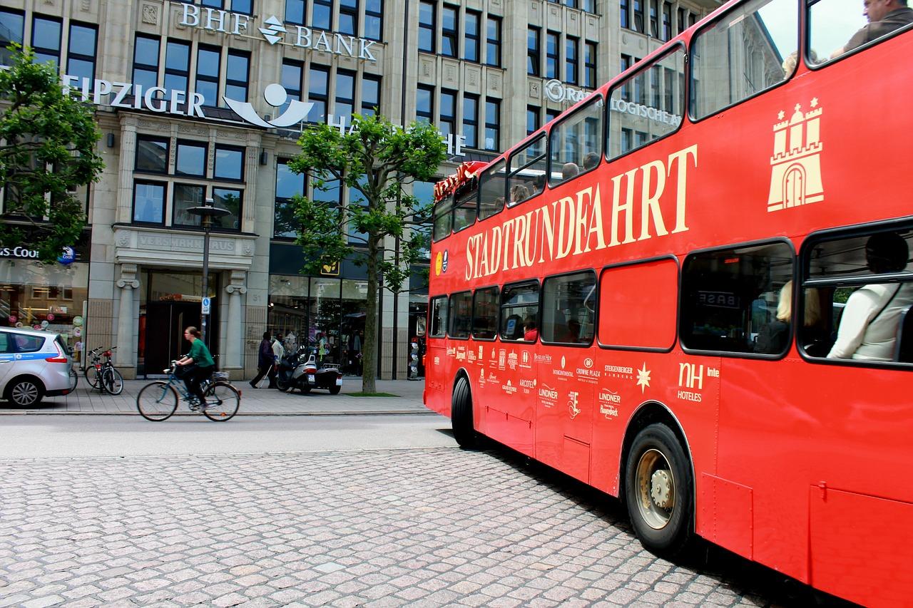 Hamburg red bus